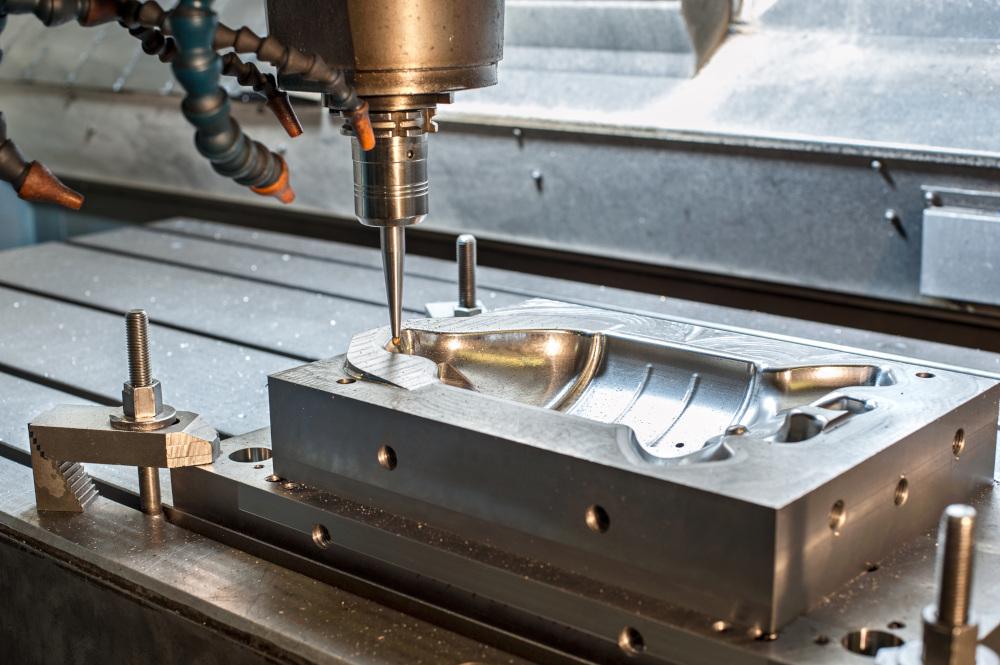 obrabianie metalu frezarką