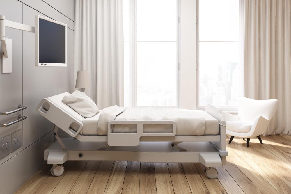 łóżko szpitalne w sali